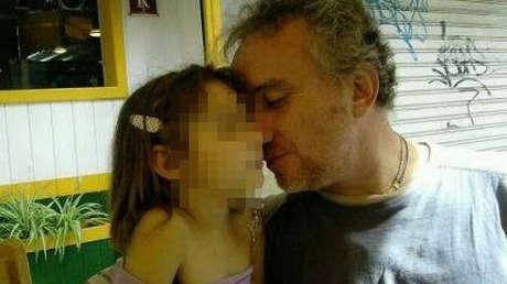 Nadia, junto a su padre