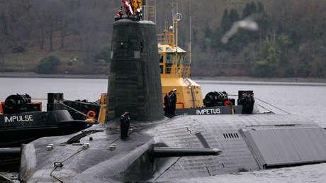 La tripulación del submarino británico HMS Vengeance
