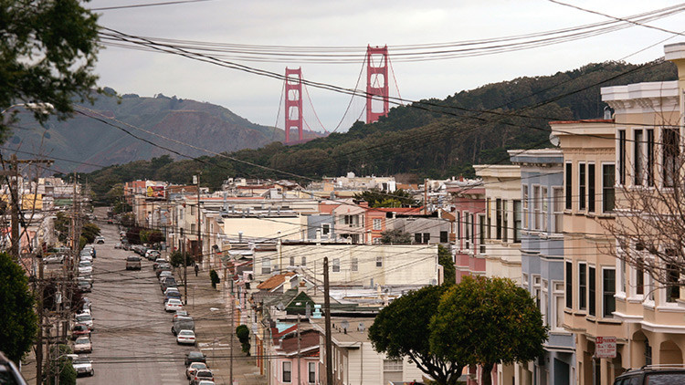 San Francisco demanda a Donald Trump