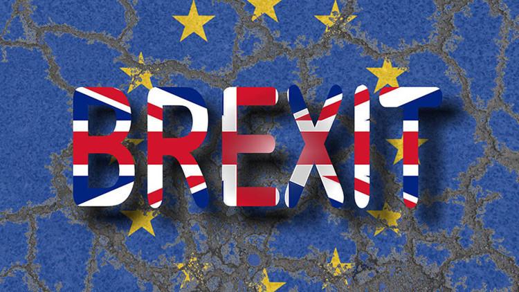 """""""No podemos ignorar a la gente"""": el Parlamento británico vota a favor de ley que respalda el Brexit"""