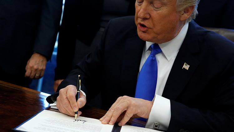 'Soy el presidente y me gusta dibujar': redes sociales explotan con memes 'artísticos' de Trump