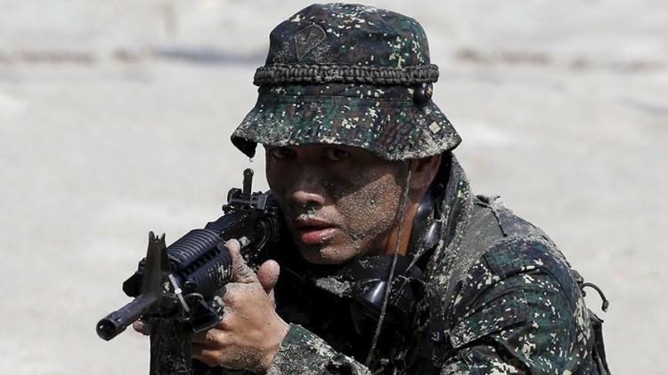 """El presidente de Filipinas va a """"permitir"""" a los militares unirse a la guerra antidroga"""