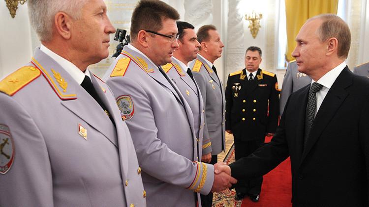 Putin suspende de servicio a 16 generales
