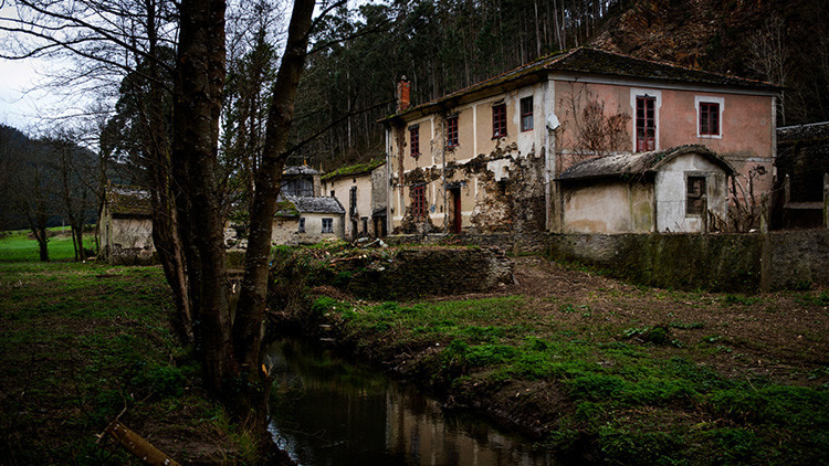 Casas a un euro o pueblos enteros al precio de un piso: los precios locos de la España rural