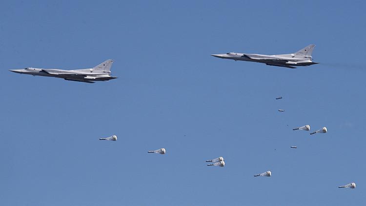 Aviones rusos bombardean los almacenes de municiones del Estado Islámico en Siria