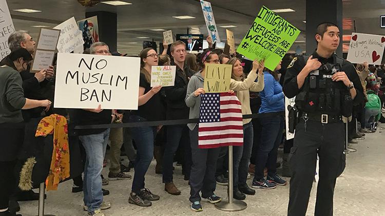 Revocan más de 100.000 visados de EE.UU. tras la orden ejecutiva de Trump