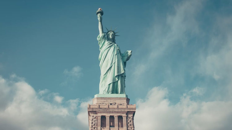 Trump decapita a la Estatua de la Libertad en la portada del nuevo 'Der Spiegel' (FOTO)