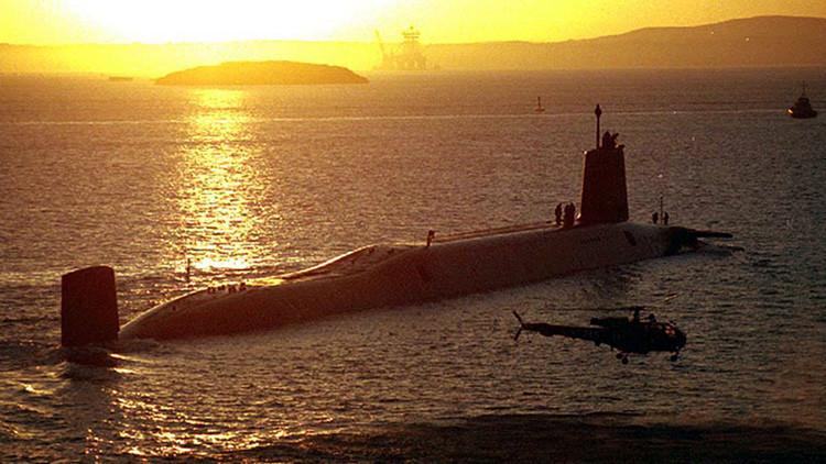 """""""Conviértete en un atacante suicida"""": la polémica parodia de la Armada británica"""