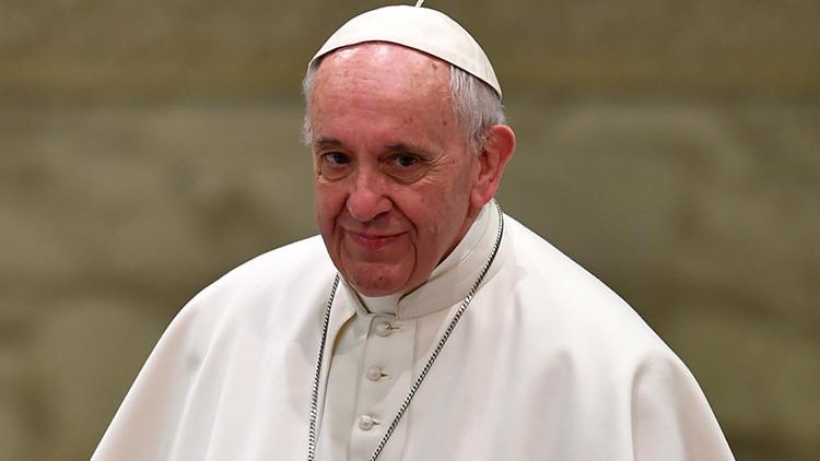 VIDEO: El papa Francisco crea su 'mannequin challenge' con un mensaje sobre la crisis migratoria
