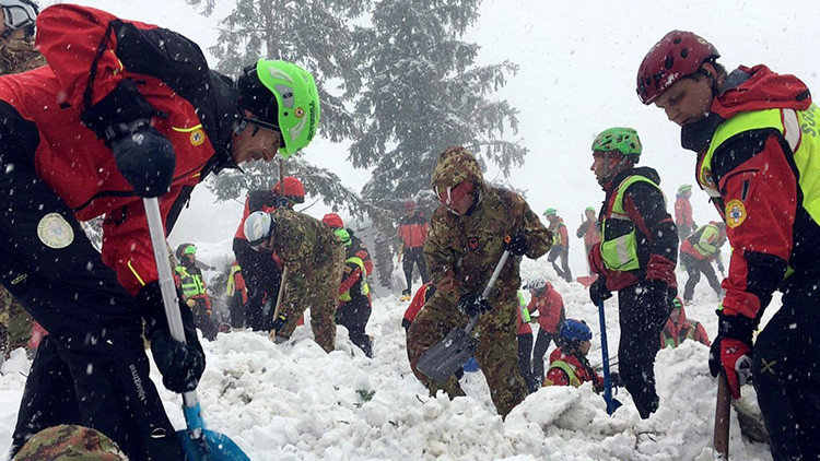 Rescatan a 7 personas tras una avalancha registrada en los Alpes italianos