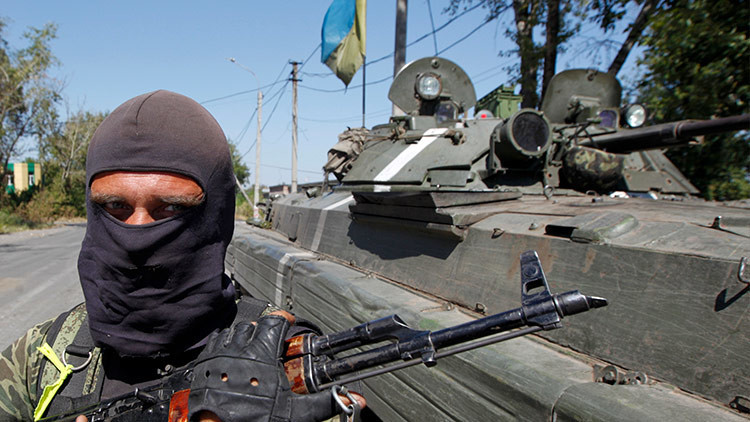 Poroshenko y Trump confirman la necesidad de un alto el fuego en Donbass