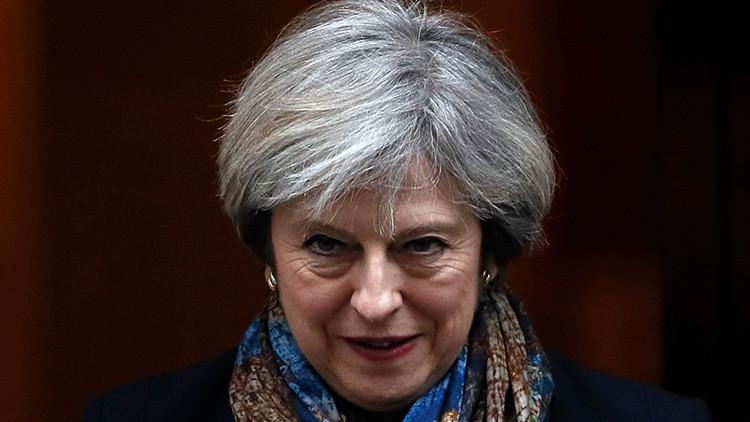 Los terroristas pueden rastrear los movimientos del avión oficial de Theresa May en la Red