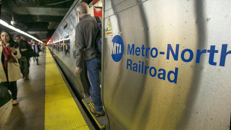 Así reaccionaron en Nueva York ante la ola de símbolos nazis en el metro (FOTO)
