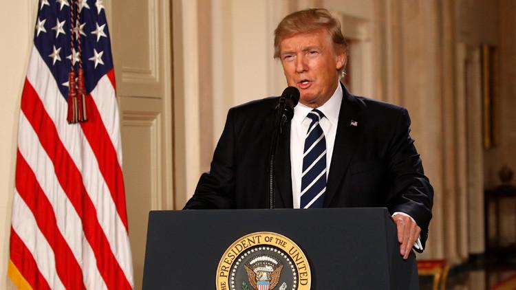 """Trump califica su experiencia como presidente de """"surrealista"""""""