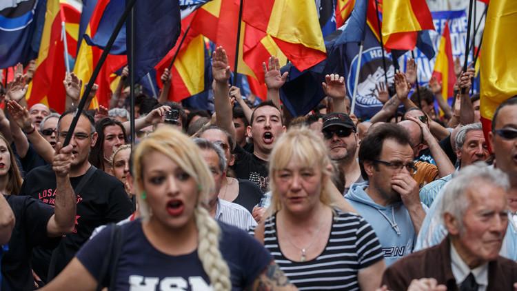 """Unión de los neofascistas que reparten comida """"solo a españoles"""": ¿estamos ante un nuevo partido?"""