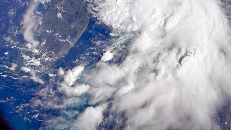 FOTO: Una imagen hipnotizante de nubes penetradas por olas de gravedad