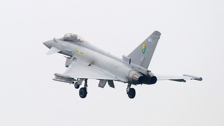 Dos cazas acompañan un vuelo civil a Reino Unido por amenazas de seguridad