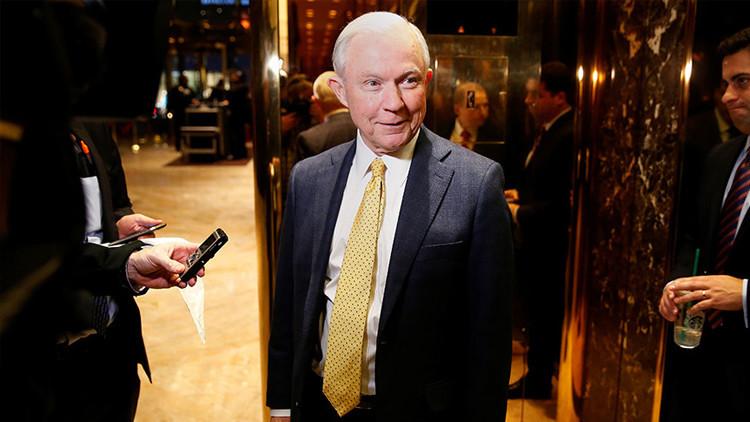 Confirman al senador Jeff Sessions como procurador general de EE.UU.
