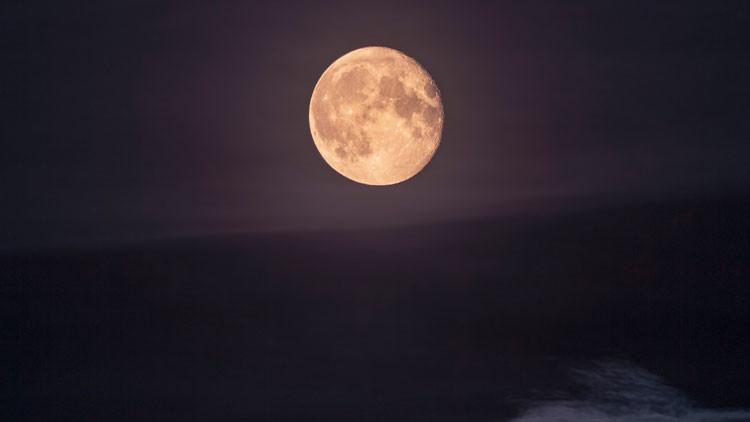 Demuestran que la Luna nació con una explosión nuclear