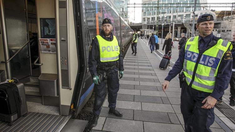 Evacuan los pasajeros de dos trenes por amenazas de explosión en Suecia