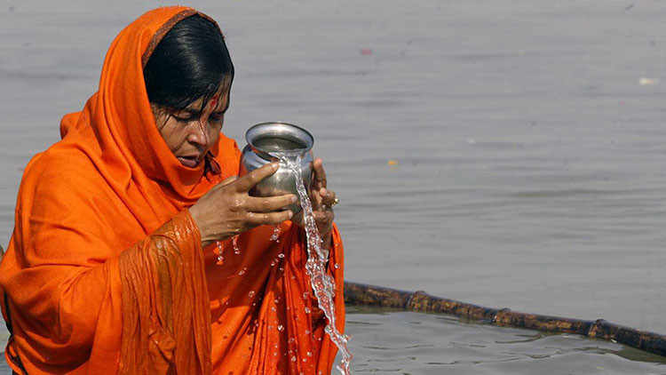 """""""Hasta que griten"""": Una ministra india afirma que ordenó la tortura de acusados de violación"""