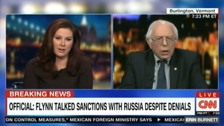 """VIDEO: Sanders menciona las """"noticias falsas"""" de la CNN y la entrevista sufre un """"fallo técnico"""""""