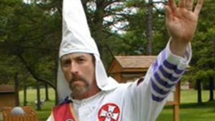Asesinan al líder del Ku Klux Klan