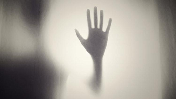 """""""Entré en estado de pánico"""": un concejal español afirma que captó el fantasma de una niña (FOTO)"""