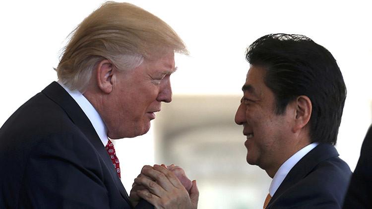 """El primer ministro de Japón revela su opinión sobre Putin en una """"conversación sincera"""" con Trump"""
