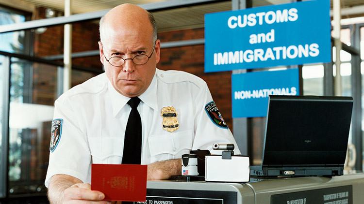 5 trucos para cruzar la frontera de EE.UU. sin entregar nuestros datos digitales