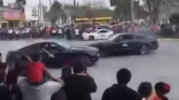 Un conductor arrolla a varios espectadores durante evento automovilístico en México (FUERTE VIDEO)