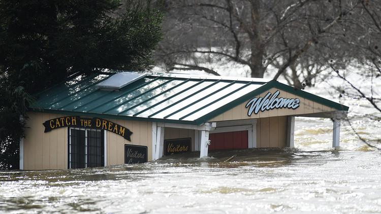 Impactantes imágenes tras la emergencia y evacuación de la presa de Oroville
