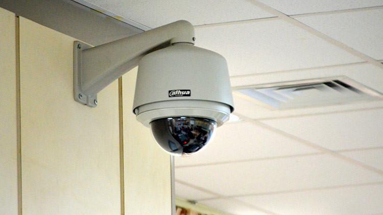 Las cámaras de seguridad captan la imagen de la asesina del hermano de Kim Jong-un