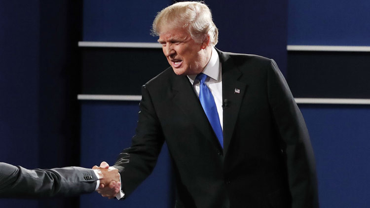 'Handmade': Donald Trump y todos los matices de sus apretones de mano