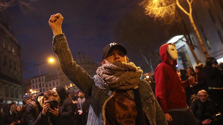Enfrentamientos en París en medio de protestas contra la brutalidad policial (VIDEO)
