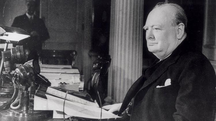 Revelan profético ensayo de Churchill sobre la vida en otros planetas