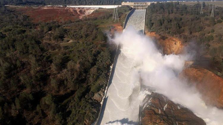 Cinco cifras impactantes sobre la crisis en la presa de Oroville