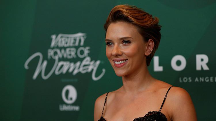 """Scarlett Johansson cree que """"la monogamia no es natural"""""""