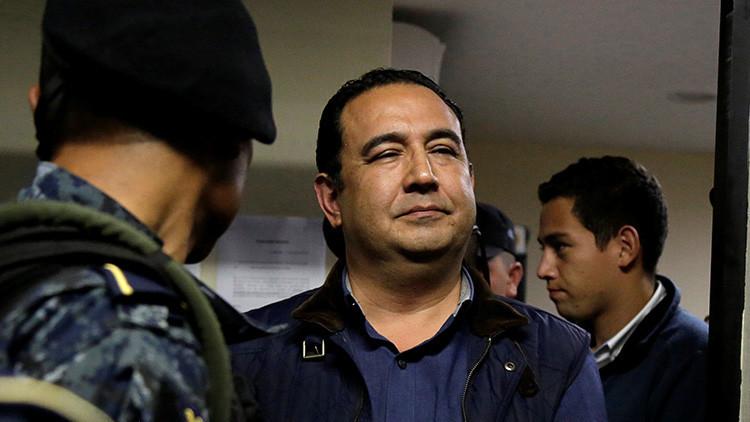 La Justicia otorgó el arresto domiciliario al hijo y al hermano del presidente de Guatemala