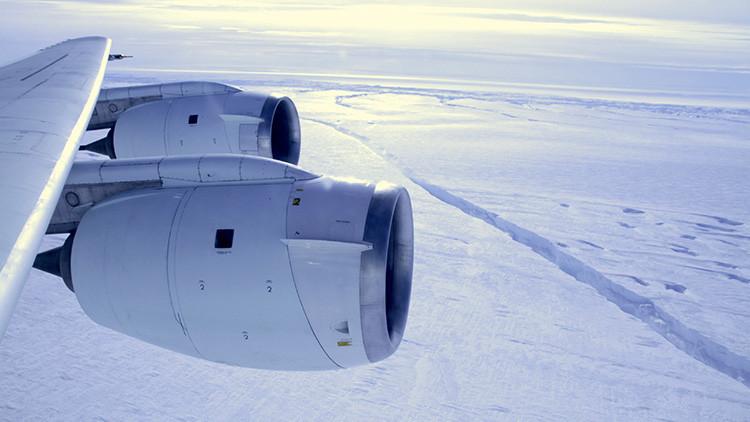 NUEVAS IMÁGENES: Satélites alertan de que la grieta de la Antártida avanza 200 metros al día