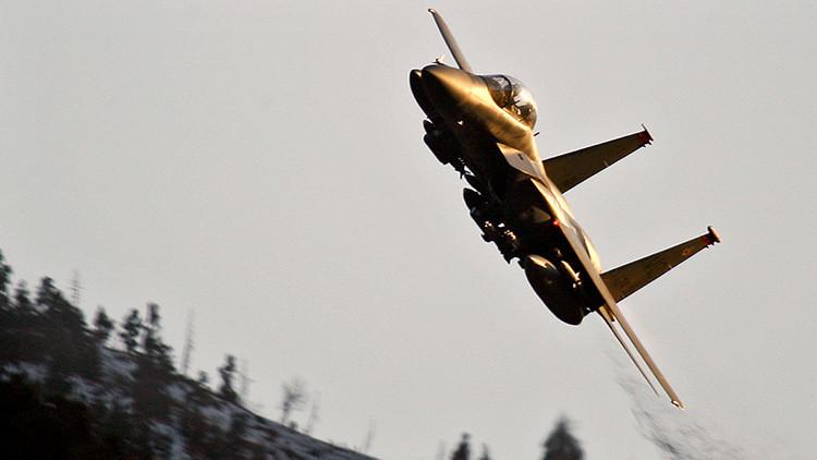 Mandan aviones militares F-15 para interceptar una aeronave cerca de una residencia de Trump
