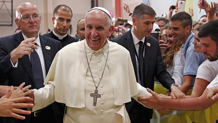 ¿Quién trolea al papa Francisco y por qué?