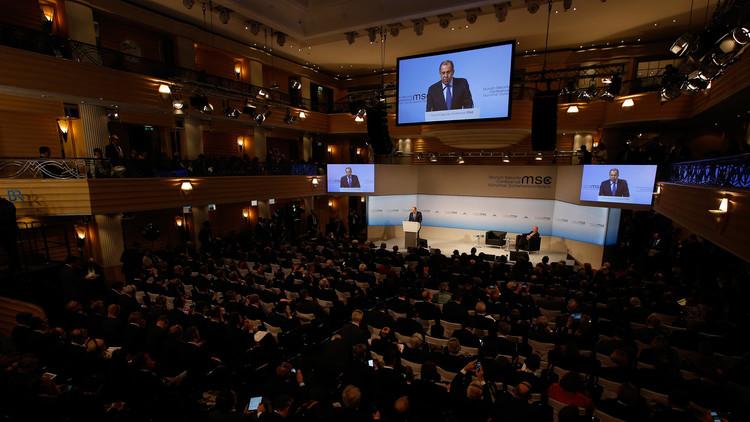 De la posverdad a la posmentira: las principales citas del canciller ruso en Múnich