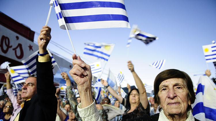 ¡Soy celeste!: Uruguay experimenta un drástico incremento de las solicitudes de residencia