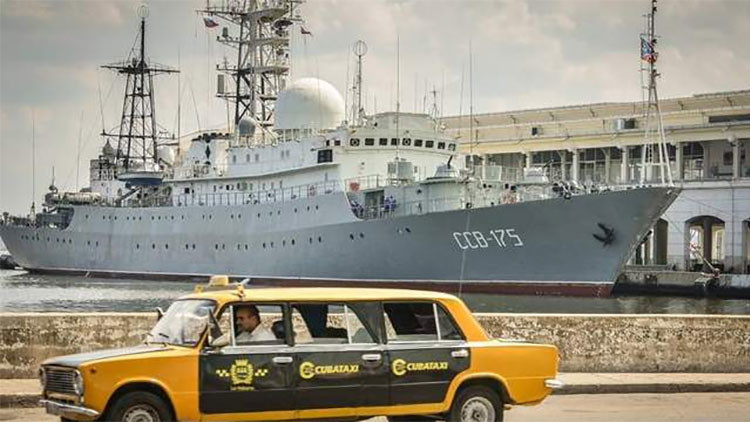 Oficiales de EE.UU. se burlan del buque ruso Víktor Leónov sin saber de qué se ríen