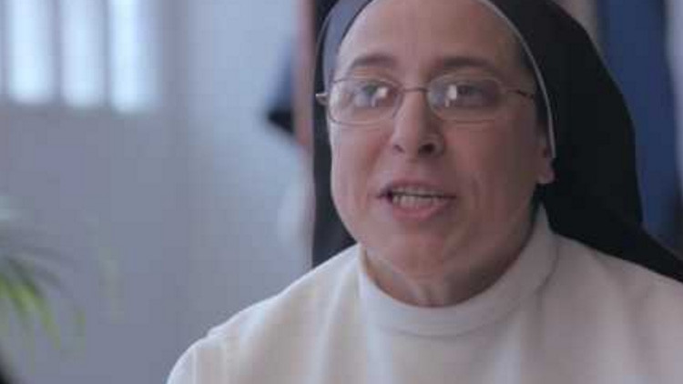 """Un actor porno y una monja argentina se reúnen para convertir a los niños en """"invulnerables"""""""