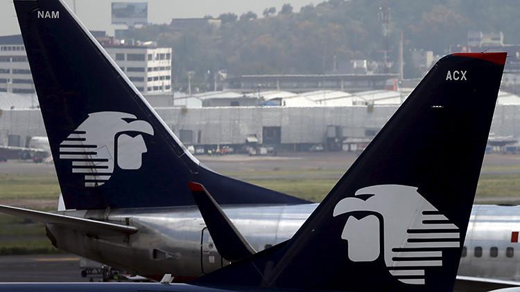 Dos aviones rozan sus alas en el aeropuerto de México