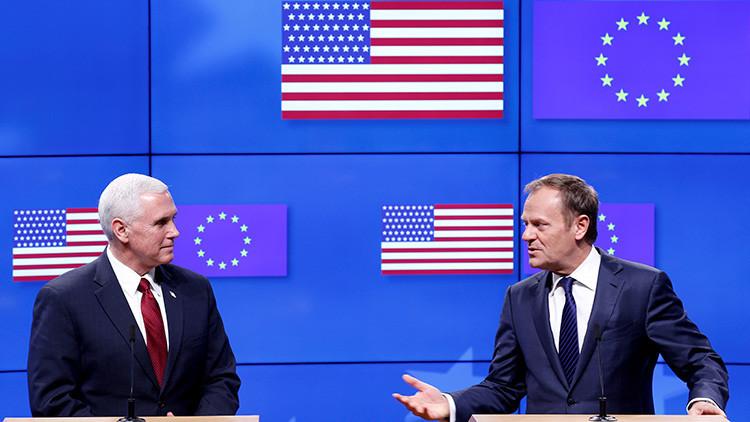 Bruselas: Proyectan una bandera de EE.UU. con errores durante una recepción al vicepresidente Pence