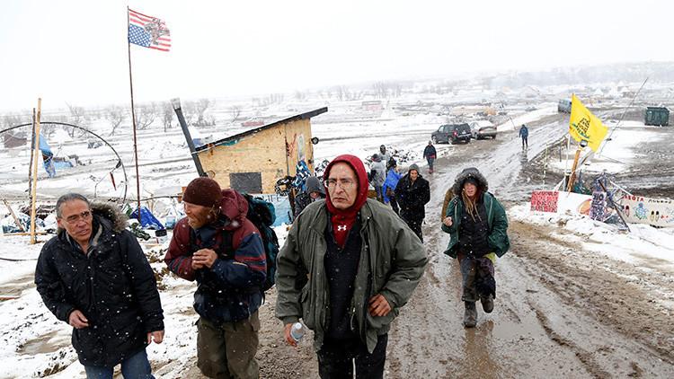 La Policía dispersa y detiene activistas contrarios al oleoducto Dakota Access