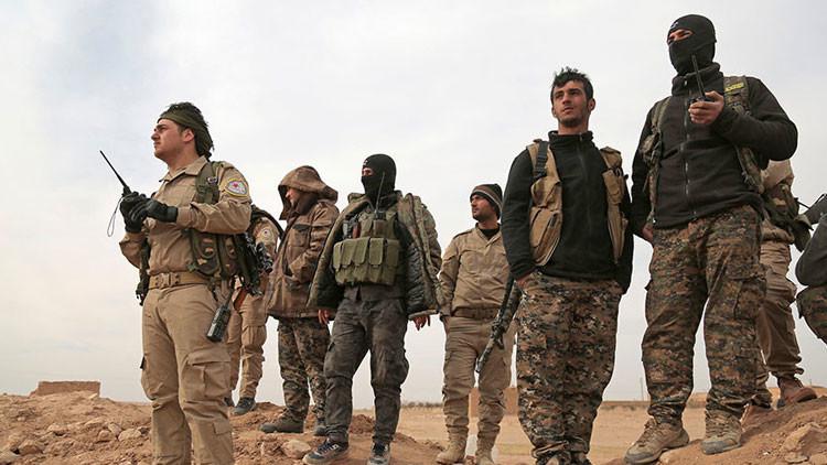 McCain emprende un viaje secreto a Siria para reunirse con las fuerzas de EE.UU.